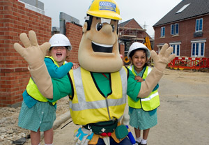Ivor on site with kids